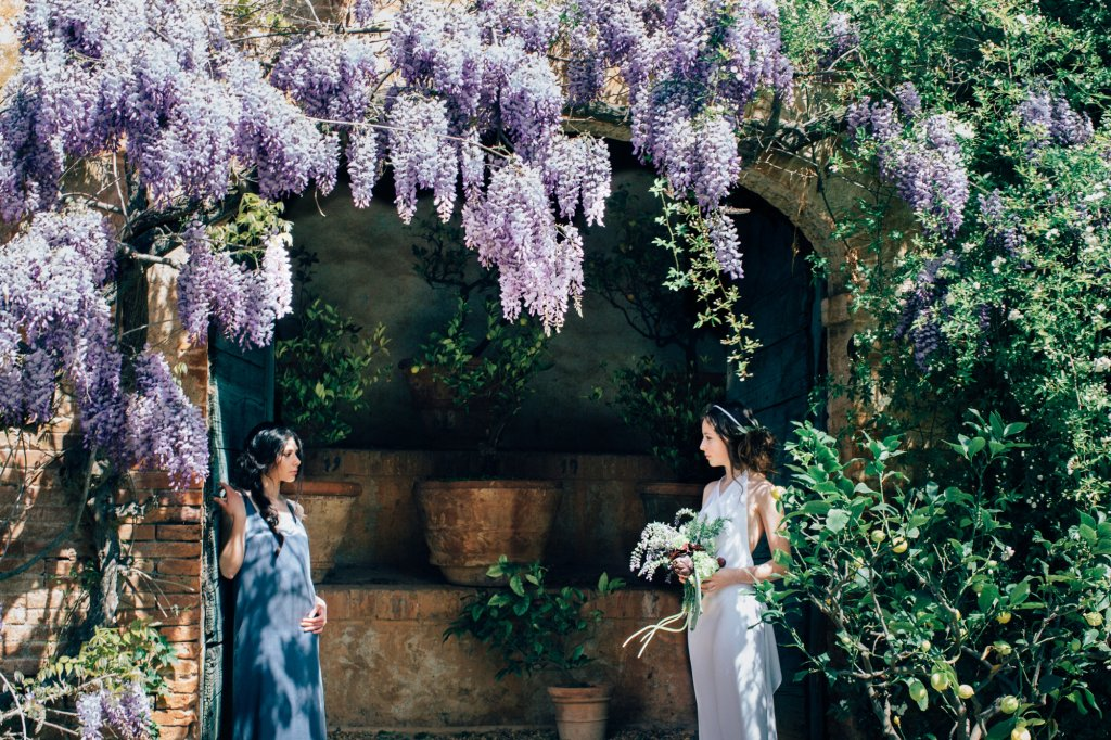 Destination wedding in Italy -Tuscan garden