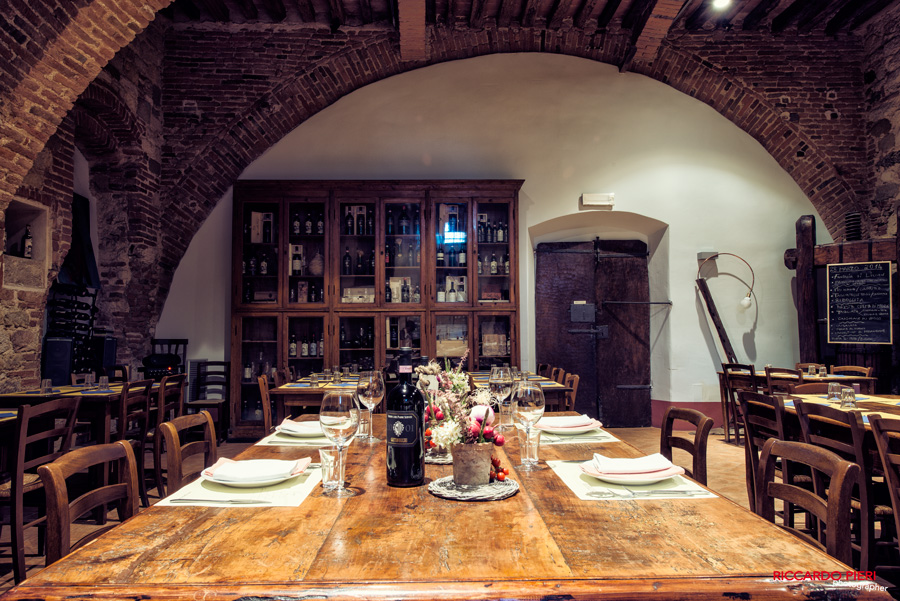 a 12th century convent where you will find a large dining room upstairs