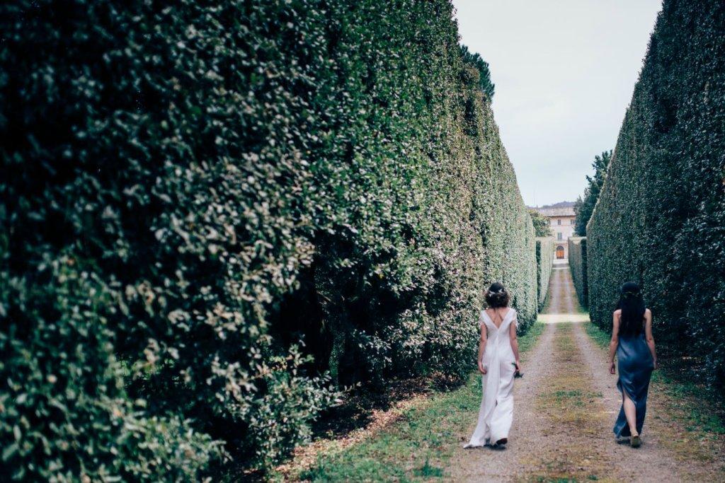 wedding in Tuscan garden