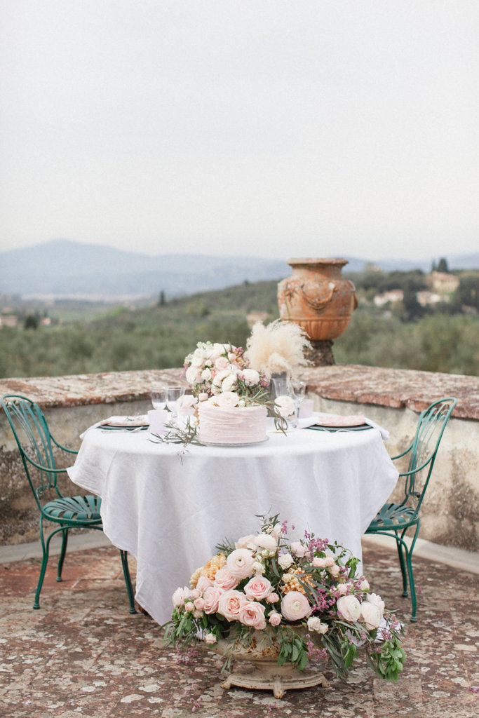 The picturesque garden settings of this venue and terrace with its spectacular view of the city of Florence makes it a unique spot to hold a sophisticated wedding in Tuscany; just 20 minutes away from the city and it's attractions.