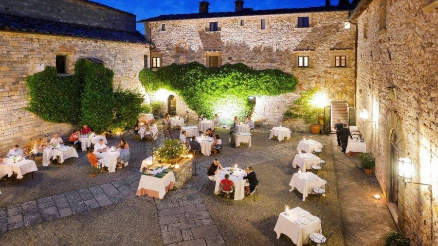 Candlelight dinner in one of the most enchanting Chianti Classico Castle