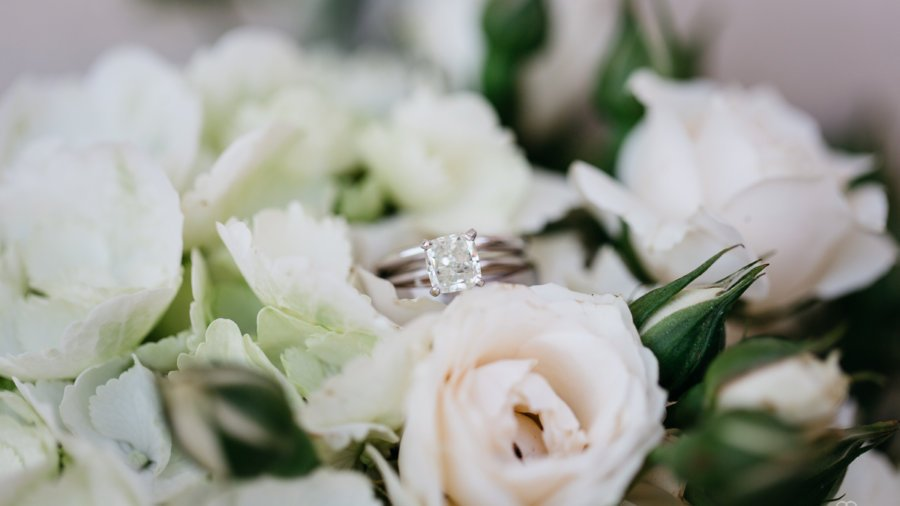 We will arrange your civil, religious or symbolic wedding ceremony in Tuscany