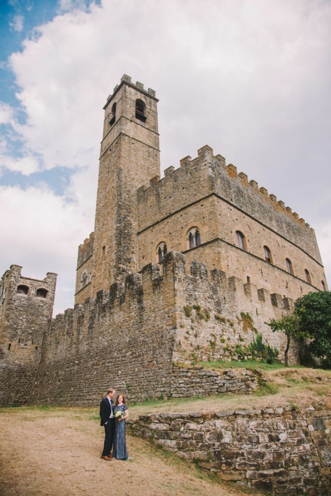Elopement Wedding in the Castle of Poppi - Tuscany