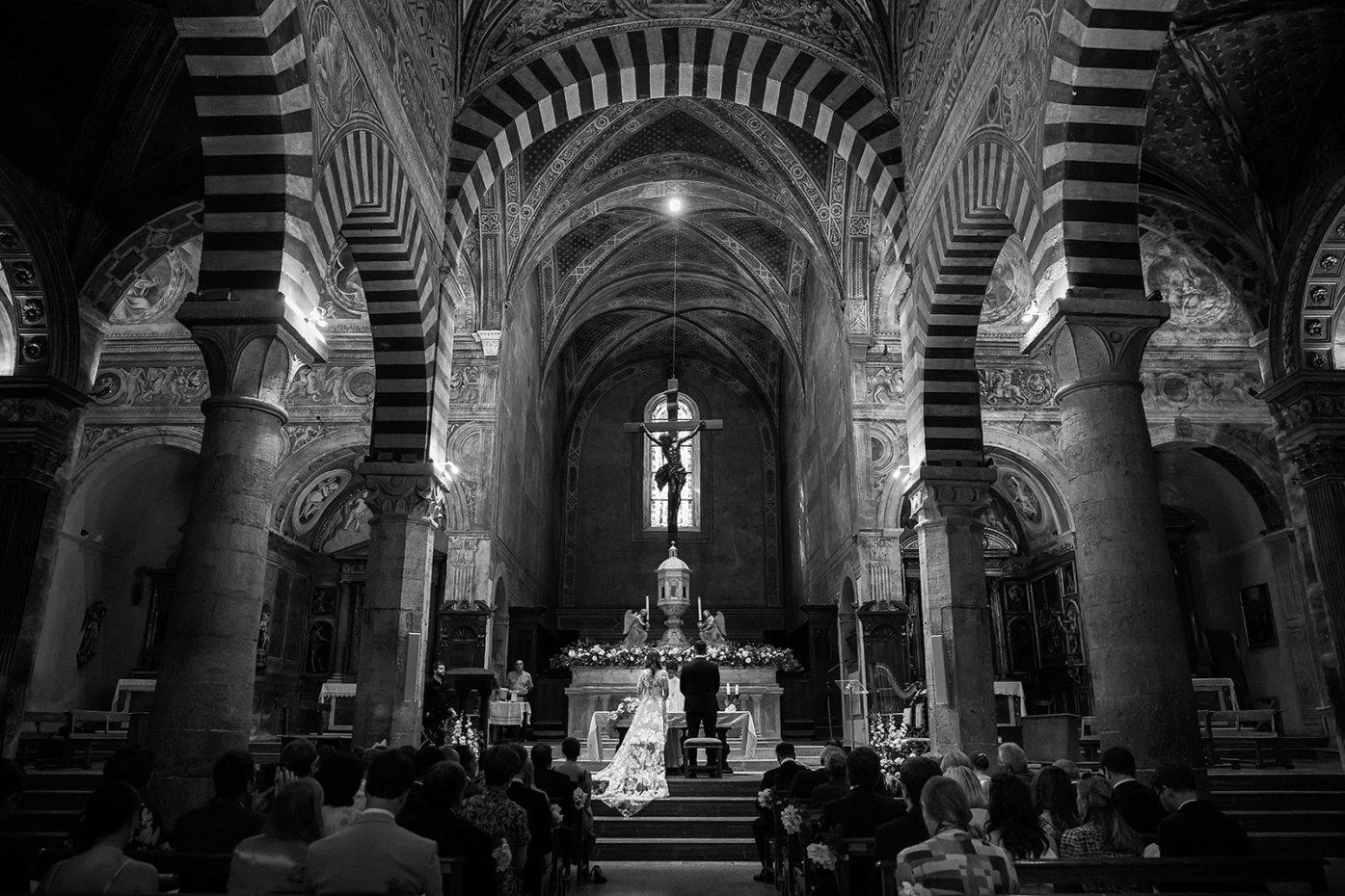 Catholic wedding in San Gimignano - Italian weddings by Natalia