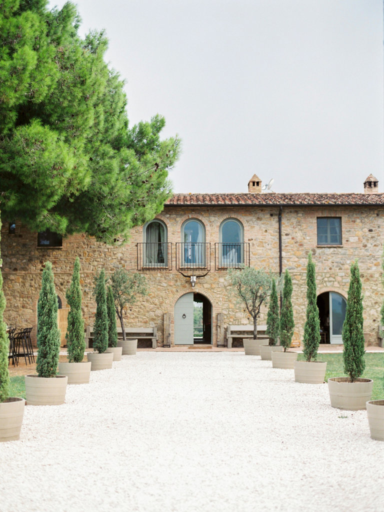 perfect wedding venue in Tuscany - Natalia Music weddings