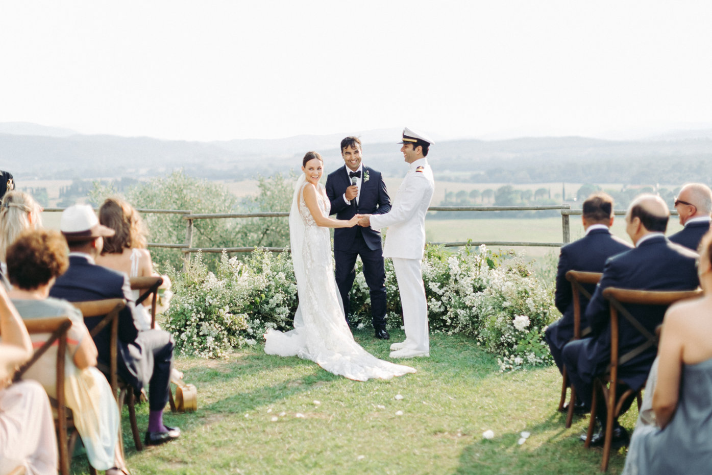 symbolic wedding ceremony in Tuscany