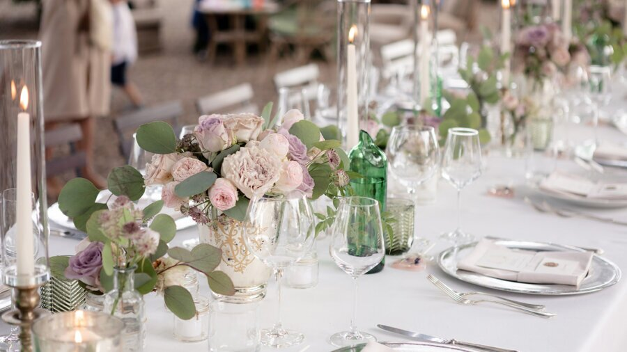 Pastel Flowers and Champagne Wedding in Chianti